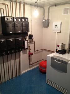 Монтаж системы отопления с напольным котлом vaillant и насосными группами Meibes