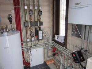 Монтаж газового котлы Vaillant и бойлера косвенного нагрева Vaillant