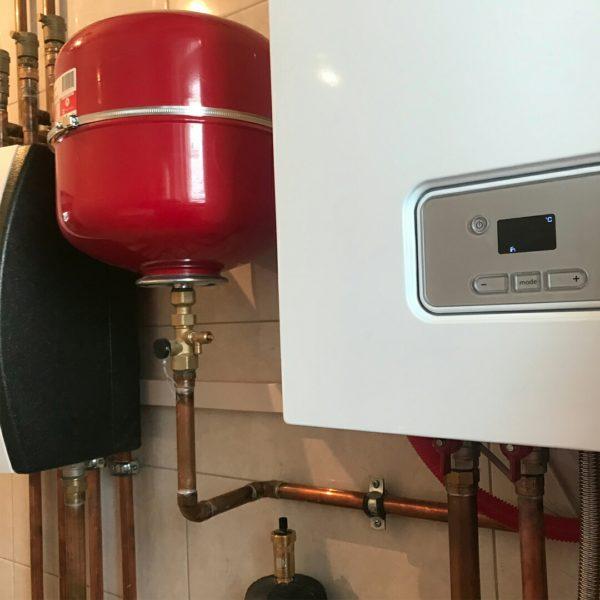 монтаж газового конденсационного настенного котла protherm