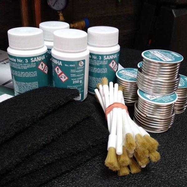 Комплект для пайки медных труб (припой, флюс и зачистная ветошь SANHA))