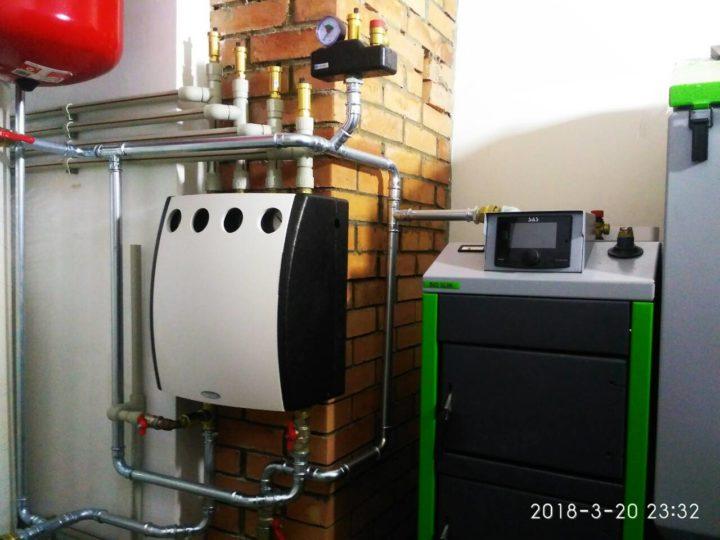 Монтаж системы отопления с твердотопливным котлом SAS при помощи оцинкованных труб SANHA