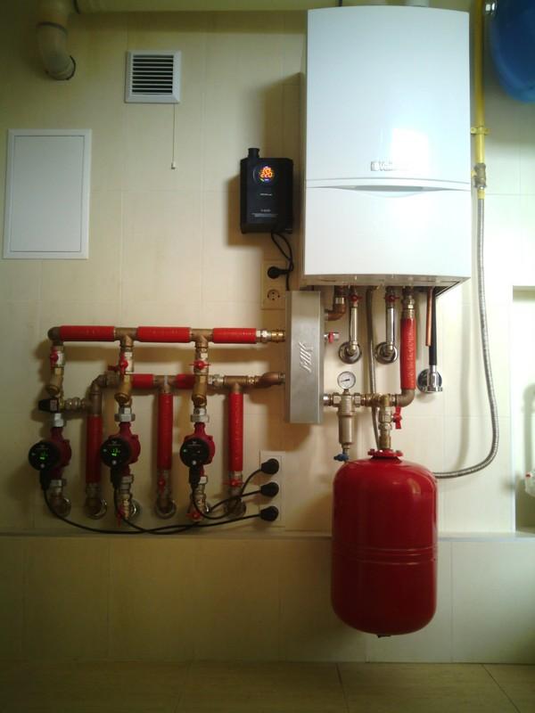 Отопление дома с котлом Vaillant и стальными трубами
