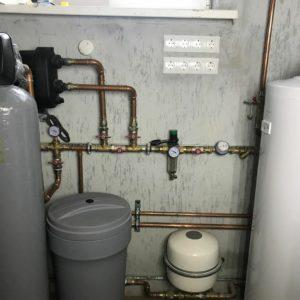 монтаж водоснабжения дома и обвязка насосной станции Grundfos SKALA2 santehcentr