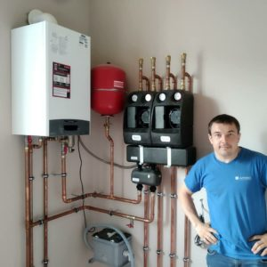 vasiliipalchekh_отопление небольшого дома газовым котлом Ariston с насосными группами BARBERI Италия
