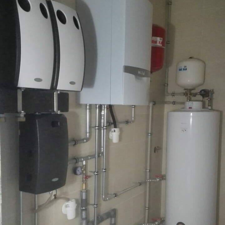 правильный смонтировать отопление с котлом Vaillant оцинкованными трубами SANHA в острошицкий городок и минск