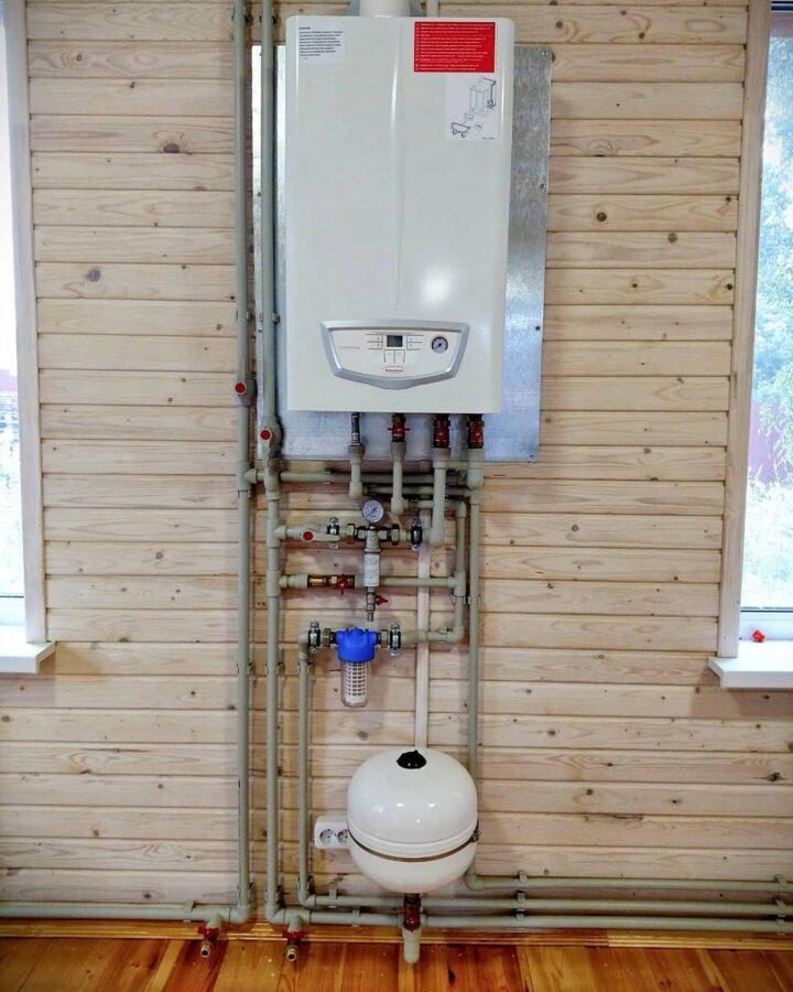 недорогой монтаж систем отопления с газовым котлом immergas